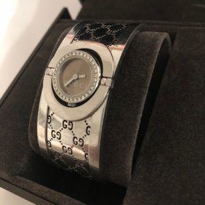 Gucci diamond watch